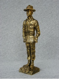 p-drill-sargeant-male-statue-02_custom