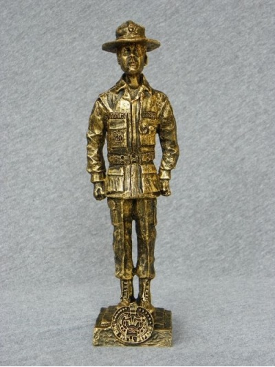 p-drill-sargeant-male-statue-01_custom